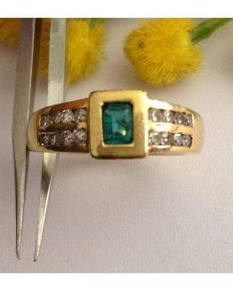 Anello in oro 18kt con Smeraldo e Diamanti - gr. 6.433