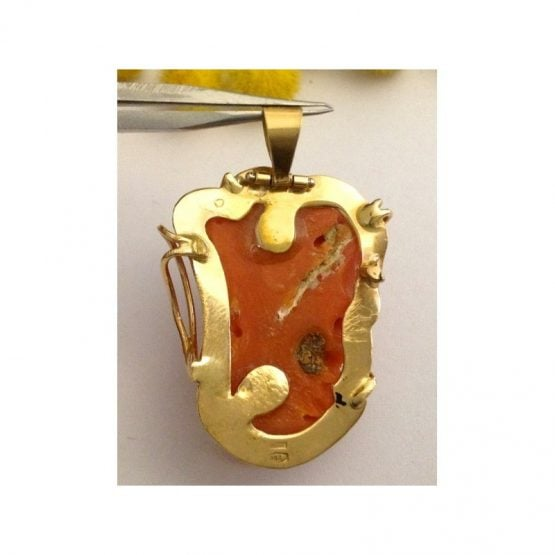 Ciondolo in oro 18kt con Corallo Rubrum- gr. 9.1